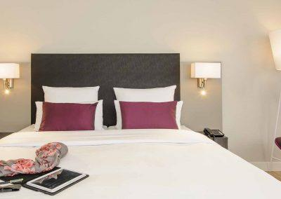 Mercure Hannover Oldenburger Allee Privilege Zimmer Bettansicht Accessoires